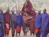 Фото из тура в Танзанию в 2008 году. Реальная команда по баскетболу, на пути в Серенгети.