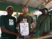Фото из тура в Танзанию в 2008 году. Вручение диплома за покорение Меру.
