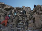 Фото из тура в Танзанию в 2009 году. Преодоление скального участка.