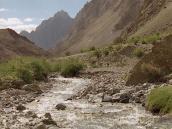 Фото из тура в Индию в 2005 году. Этот ручей сбегает в Занскар.