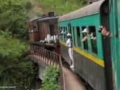 Фото из тура на Мадагаскар в 2007 году. Знаменитая железная дорога из Фианы в Манакару