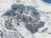 Фото из тура в Непал в 2011 году. Снежно-ледовый обвал и лавина. Спуск с Торунг-ла в сторону Муктинатха.