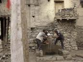Фото из тура в Непал в 2011 году. Жизнь в старом Кагбени