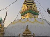Фото из тура в Непал в 2012 году.  А это уже другая знаменитая ступа - Сваямбунатх.