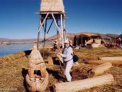 Фото из тура в Перу в 2004 году. До тростниковых плавучих островов на Титикаке от Пуно всего полчаса хода на катере.