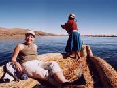 Фото из тура в Перу в 2004 году. Катание на аутентичной тростниковой лодке по озеру Титикака.