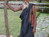 Фото из тура Непал-Тибет в 2004 году. Этот йог из Катманду не стригся  уже очень давно.