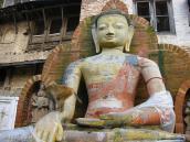 Фото из тура Непал-Тибет в 2004 году. В Катманду можно встретить Будду в любом месте
