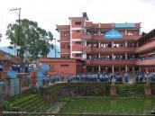 Фото из тура Непал-Тибет в 2004 году. В Непале уделяют большое внимание школьному образованию
