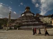 Фото из тура на Тибет в 2008 году. Уникальная многоэтажная ступа  Кхумбум в Гьянтзе