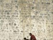 Фото из тура на Тибет в 2008 году. Лама и траппа-поводырь, монастырь Ташилумпо, Шигадзе.