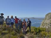 Фото из путешествия в ЮАР в 2013 году.  Группен-фото на фоне все еще далекого мыса Доброй Надежды.