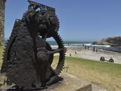 Фото из тура в ЮАР в 2013 году. Когда-то на этом берегу проживало племя троглодитов-собирателей, которые кормились исключительно морепродуктами, выброшенными прибоем на берег.