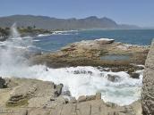 Фото из тура в ЮАР в 2013 году. Теперь в ее пещере процветает ресторан морской кухни, который назван ее именем, тем самым увековечив память о бедных аборигенах. Только имя то я не помню, буду признателен за подсказку ))