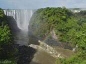 Фото из тура в ЮАР в 2013 году. Радуга украшает водопад Виктория. Счастливчикам удалось зафиксировать здесь даже лунные радуги.