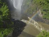 Фото из тура в ЮАР в 2013 году. На этот раз, в январе воды из-за дождей оказалось неожиданно много, поэтому первые несколько порогов пришлось пропустить. Самое мокрое время - май. Вода в реке поднимается метров на пять, и тогда рафтинг прикрывают.