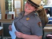 Фото из тура в США в мае-июне 2010 года. При въезде в Парк Йосемити всегда встречают улыбкой.