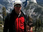 Фото из тура в США в мае-июне 2010 года. В начале трека по Йосемити, за спиной Хаф Дом, скала, что легла в основу лого theNorthFace.