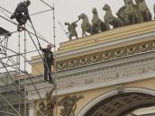 Сборка сцены для концерта Пола Маккартни, который произошел 20 июня 2011 г.  СПб за 24 часа.
