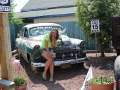 Во дворе кафе на Route 66.  Автор фото Ксения Каминская