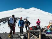 Собираемся на акклиматизационный выход. Восхождение на Эльбрус с Севера.