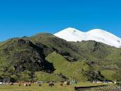 Первые виды на красавец-Эльбрус. Восхождение на Эльбрус с Севера.