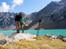 Треккинг в Киргизии: незабываемый вид на озеро Ала-Кель