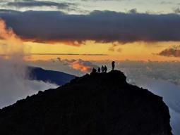 треккинг, восхождение, каньонинг в горах острова Реюньон