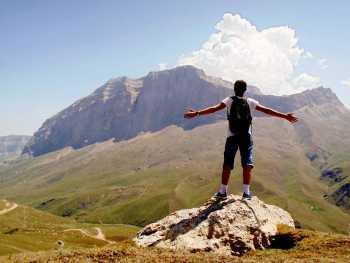 Дагестан: стена Ярыдаг и Базардюзю